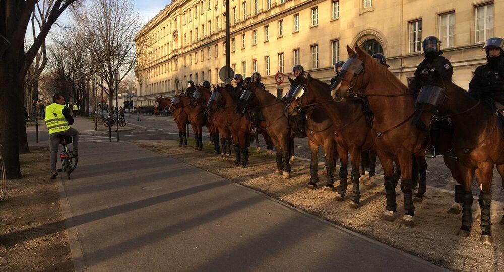 Manifestação número 14 dos coletes amarelos em Paris, França, em 16 de fevereiro de 2019