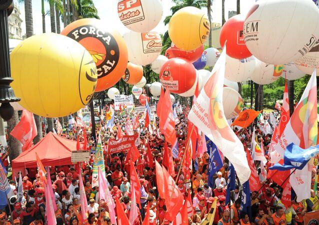 Ato na Praça da Sé, em São Paulo, contra a reforma da Previdência apresentada pelo governo de Jair Bolsonaro ao Congresso Nacional, em 20 de fevereiro de 2019
