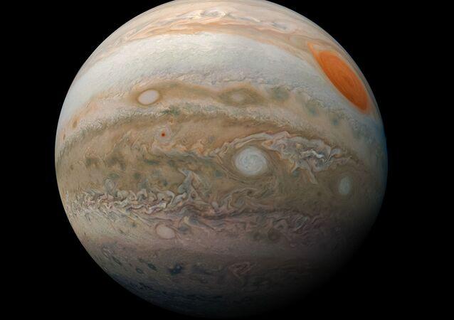 Fotografia de Júpiter tirada pela sonda Juno da NASA, em 25 de fevereiro de 2019