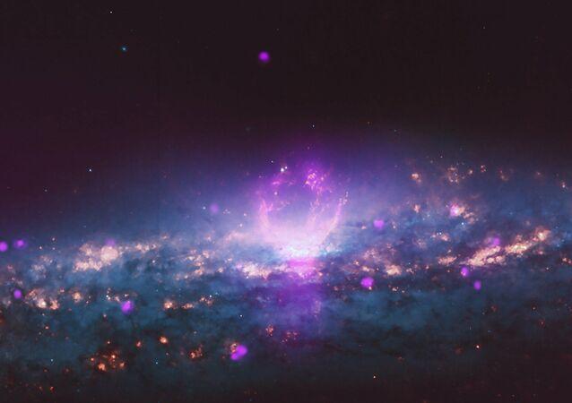 Galáxia NGC 3079