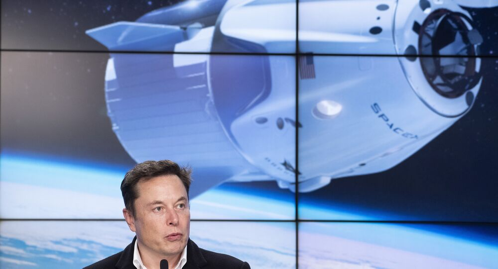 Chefe da SpaceX, Elon Musk, fala durante coletiva de imprensa após lançamento da nave Crew Dragon do Centro Espacial Kennedy, na Flórida, EUA, em 2 de março de 2019