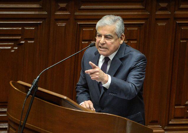 O primeiro-ministro do Peru, César Villanueva, durante discurso no parlamento em 19 de setembro de 2018