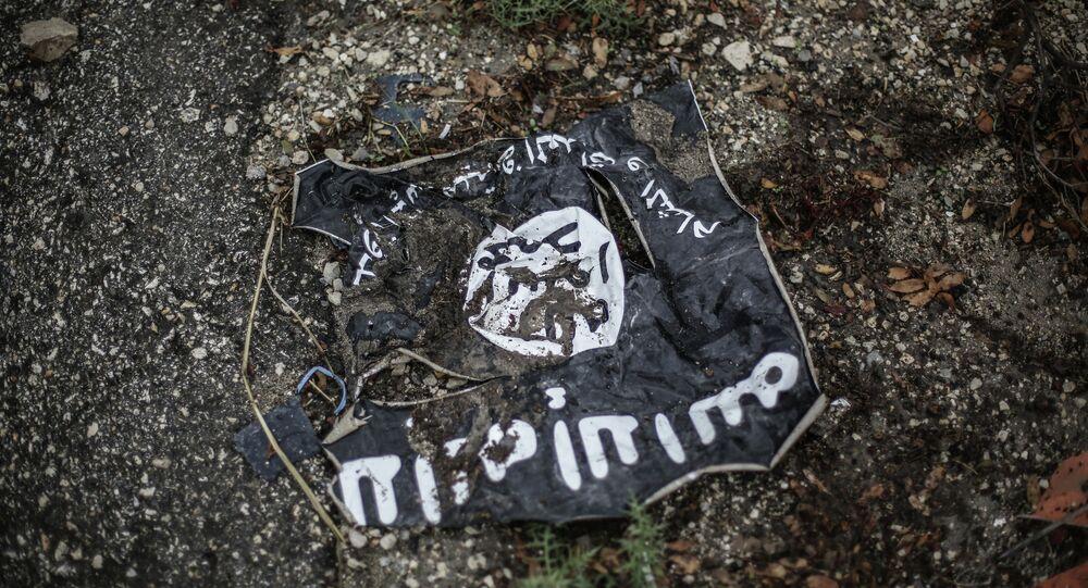 Bandeira do grupo terrorista Daesh, o autoproclamado Estado Islâmico (arquivo)
