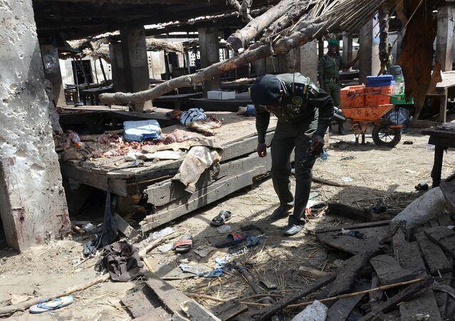 Mercado de Maiduguri após ataque do Boko Haram em 2 de junho de 2015