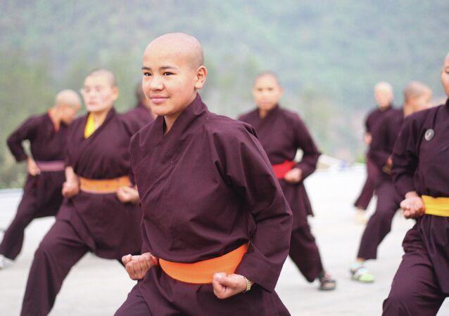 Alunos de Kung Fu da Ordem Drukpa, no Tibet (imagem referencial)