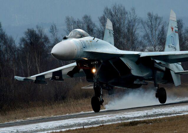 Caça russo Su-27SM (foto de arquivo)