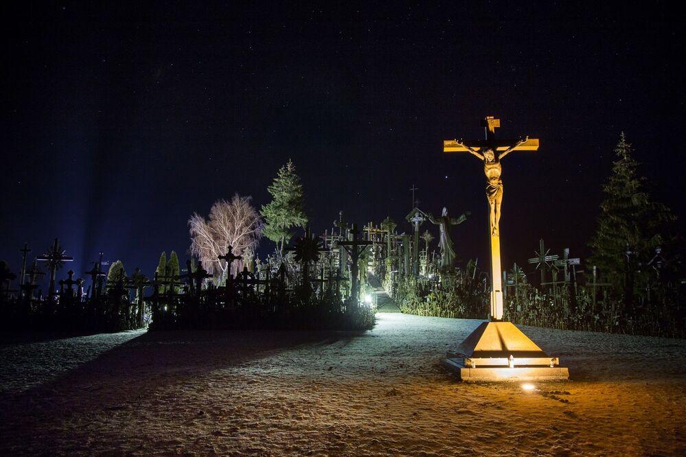 Colina das Cruzes, na Lituânia