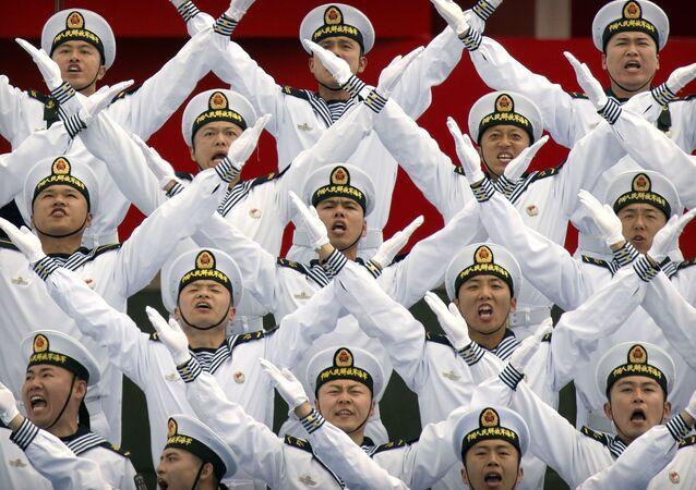 Parada naval internacional dedicada ao 70º aniversário da Marinha do Exército Popular de Libertação da China, realizada no porto chinês de Qingdao, província de Shandong