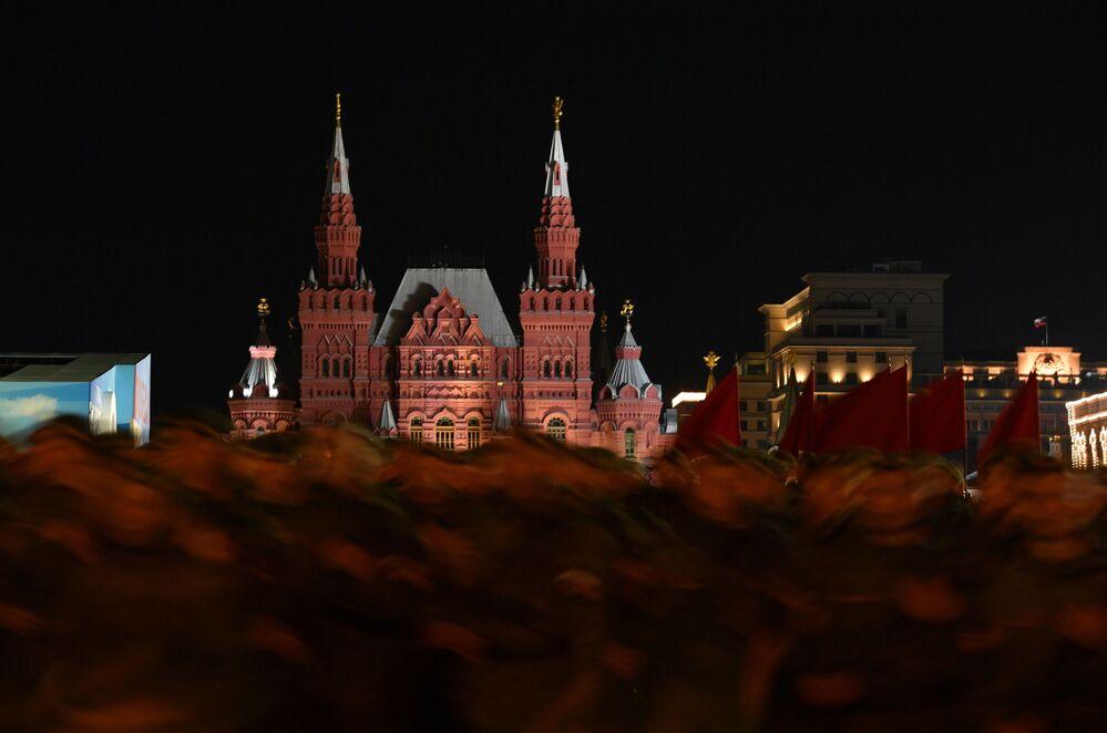 Ensaio da Parada da Vitória na Praça Vermelha em Moscou, Rússia