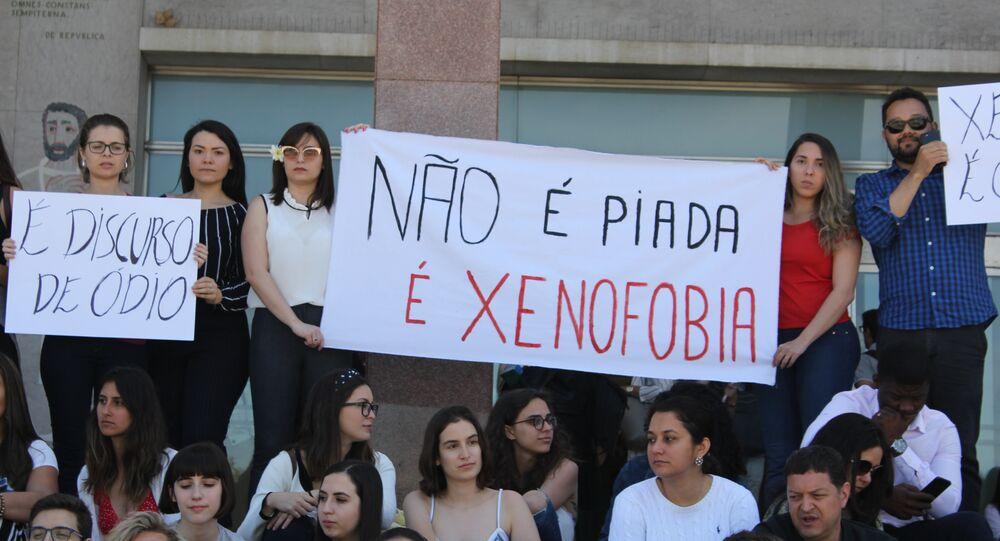 Participantes do protesto condenando a xenofobia contra alunos brasileiros da Faculdade de Direito da Universidade de Lisboa (foto de arquivo)