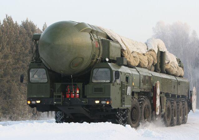 Sistema de mísseis Topol