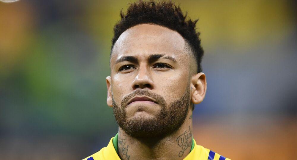 Neymar antes do amistoso contra Seleção do Qatar no Estádio Nacional de Brasília, 5 de junho de 2019