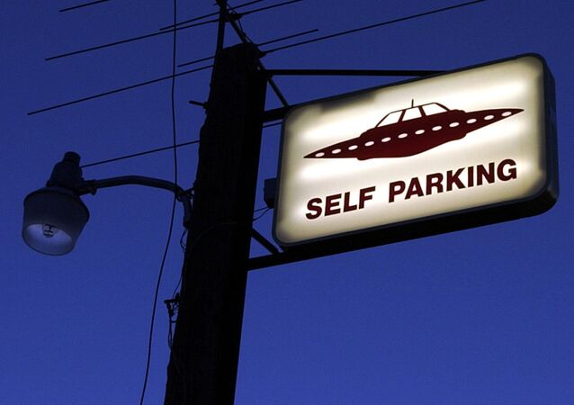 Placa de estacionamento para OVNIs ao lado da Área 51 no estado americano de Nevada