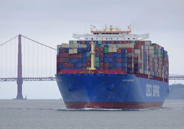 Un buque portacontenedores (archivo)