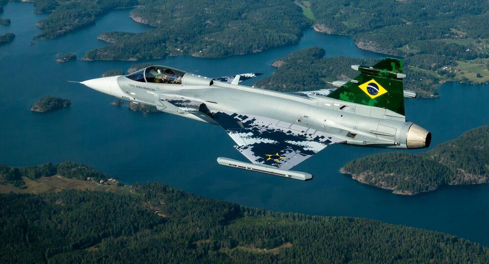 Primeiro voo do caça Gripen E/Br da FAB, na Suécia