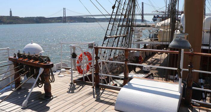 O navio-veleiro Cisne Branco, da Marinha brasileira, foi eleito o mais sustentável entre os participantes da The Tall Ship Races