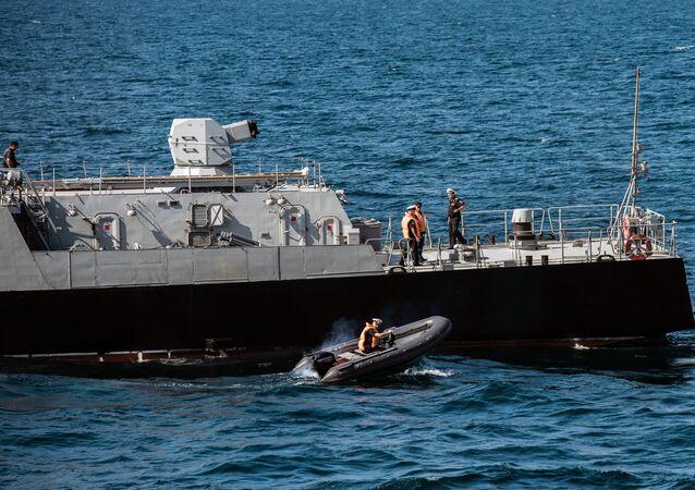 Corveta do projeto 21631 Vyshny Volochyok durante os exercícios militares da Frota do Mar Negro e do Distrito Militar do Sul da Rússia na Crimeia