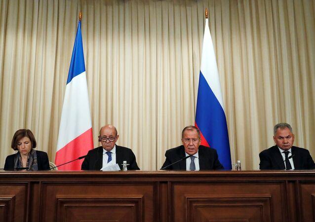 Ministros franceses e russos se reuniram em Moscou nesta segunda-feira