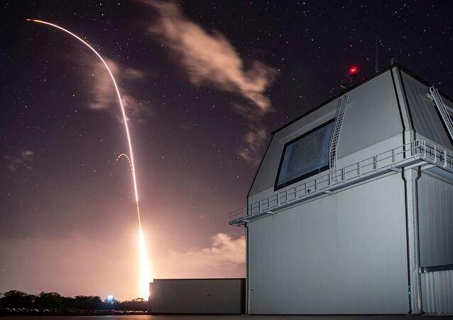 Míssil SM-3 Block IIA é lançado do complexo Aegis Ashore (foto de arquivo)