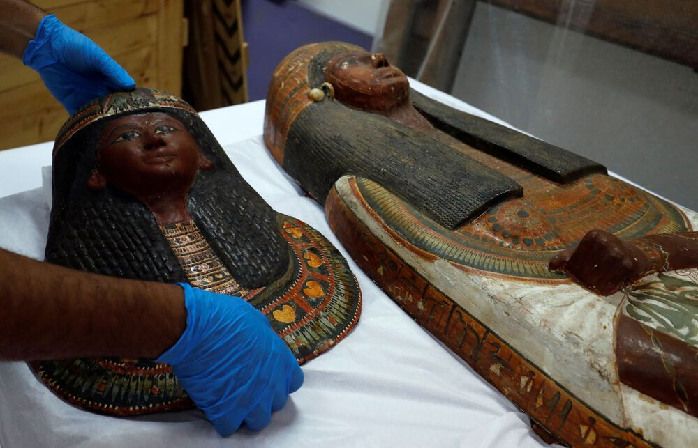 Máscara da mulher de Sennedjem no Museu Nacional da Civilização Egípcia (NMEC), no Cairo