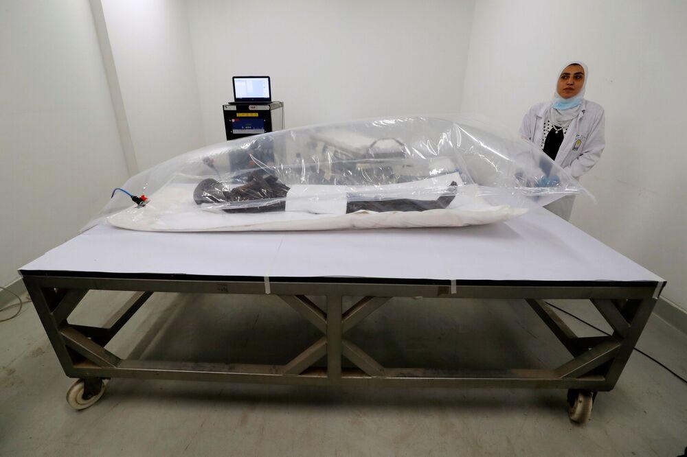 Múmia de Sennedjem no Museu Nacional da Civilização Egípcia (NMEC), no Cairo