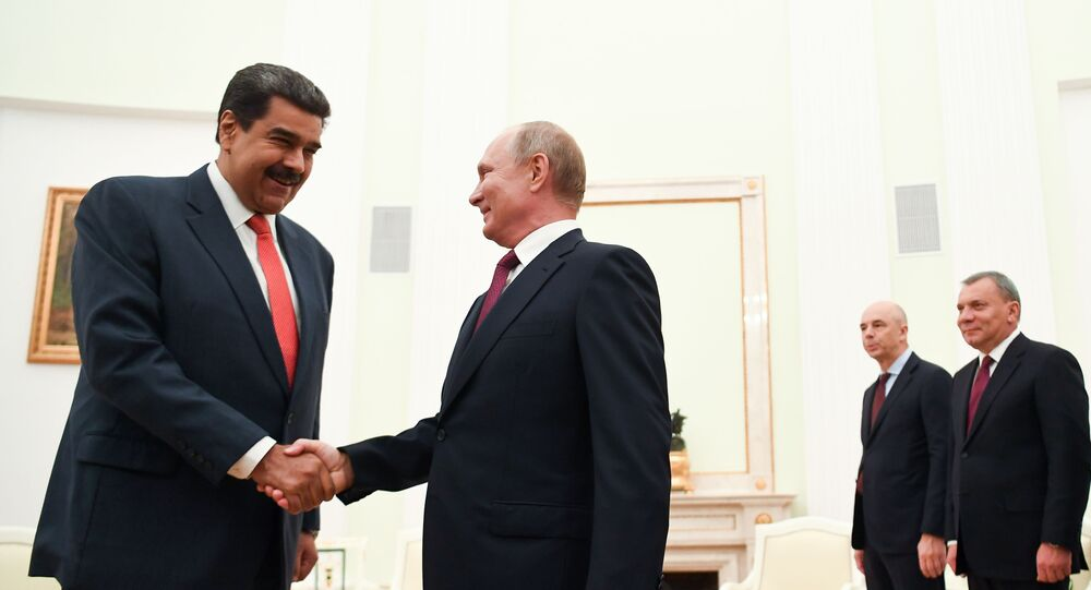 Nicolás Maduro é recebido por Vladimir Putin em Moscou