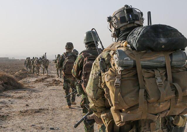 Soldados das Forças Especiais do Exército dos EUA durante força-tarefa (foto de arquivo)