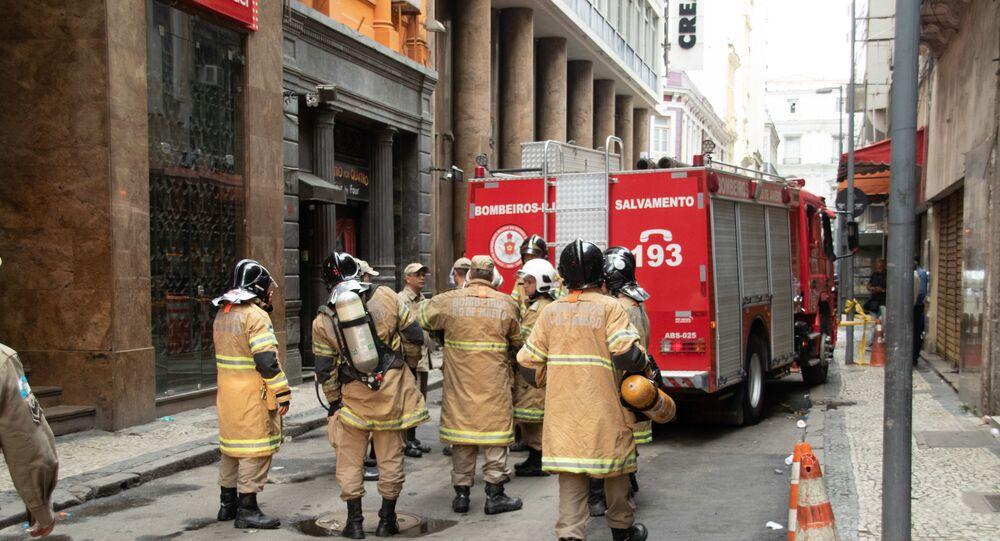 Boate Quatro por Quatro tem novo foco de incêndio 3 dias depois de fogo matar 4 bombeiros, na cidade do Rio de Janeiro (imagem referencial)
