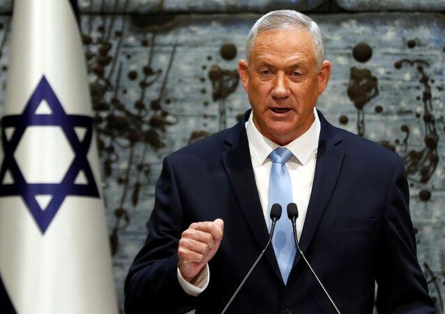Benny Gantz, líder do partido Azul e Branco, fala durante uma cerimônia na residência presidencial, em Jerusalém, no dia 23 de outubro de 2019.