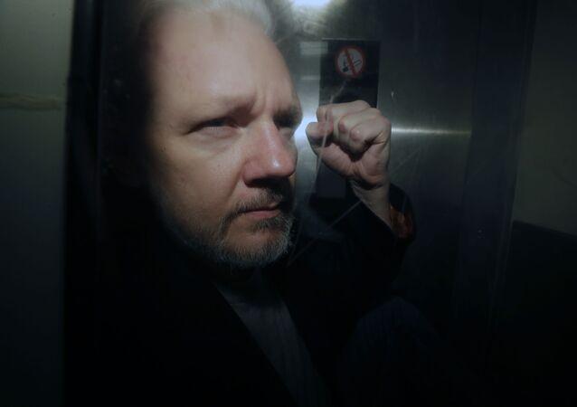 Fundador do WikiLeaks Julian Assange no Reino Unido