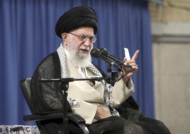 Líder supremo do Irã, aiatolá Ali Khamenei, discursa em Teerã, no Irã (foto der arquivo)