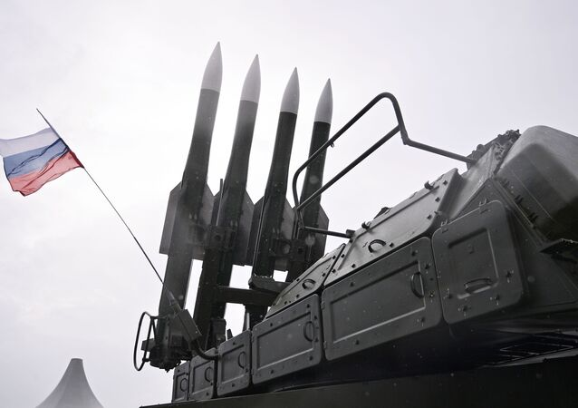 Sistemas de defesa antiaérea Buk-M2 no salão aeroespacial internacional MAKS-2017