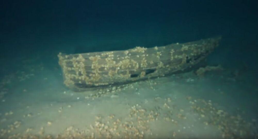 Navio é encontrado praticamente intacto no lago Michigan