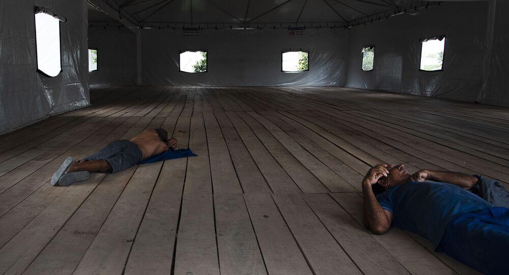 Refugiados venezuelanos em centro de acolhida em Manaus.