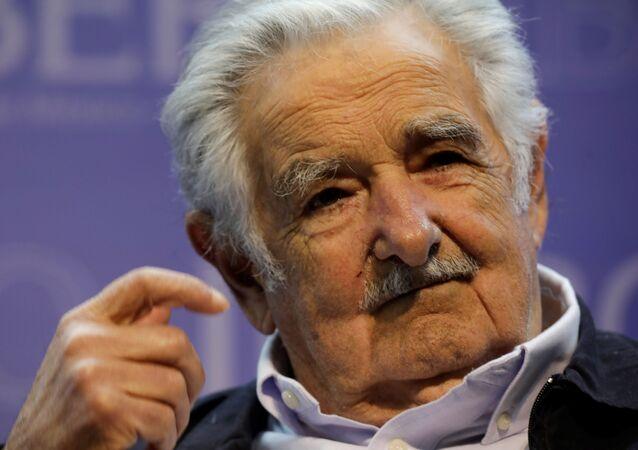 Ex-presidente do Uruguai e atual senador, José Mujica, durante conferência na Universidade Iberoamericana (UIA), na Cidade do México, em 2 de dezembro de 2019