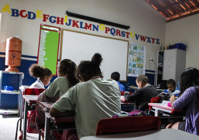 Alunos em sala de aula de escola pública da zona rural do agreste de Pernambuco (foto de arquivo)