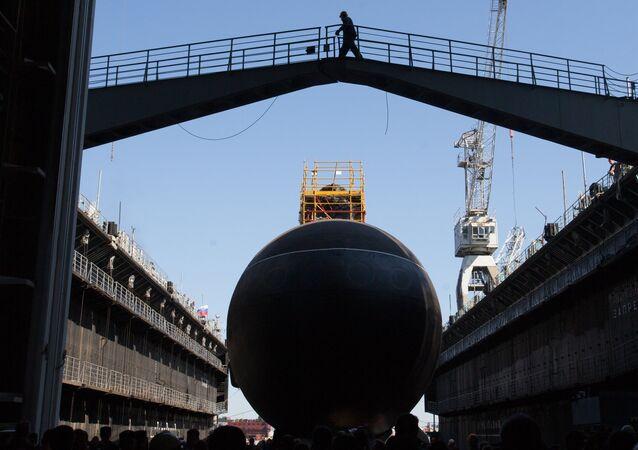 Lançamento do submarino diesel-elétrico do Varshavyanka