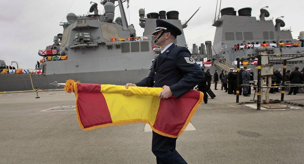 Chegada de destróiers norte-americanos no porto de Rota, Espanha