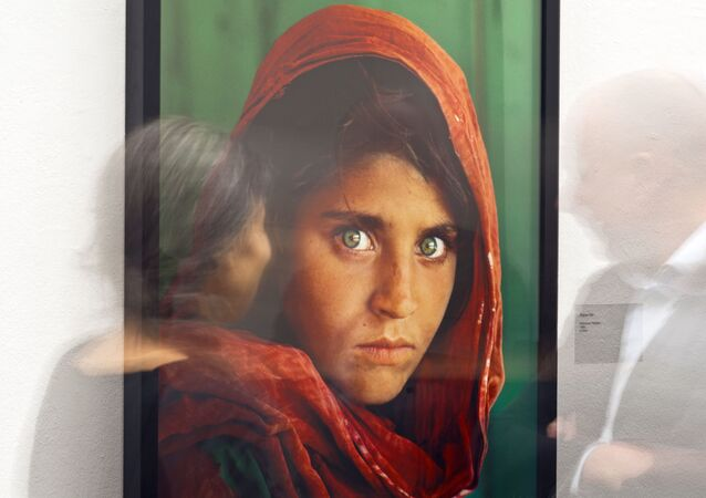 Retrato da famosa menina afegã feito por Steve McCurry (imagem referencial)