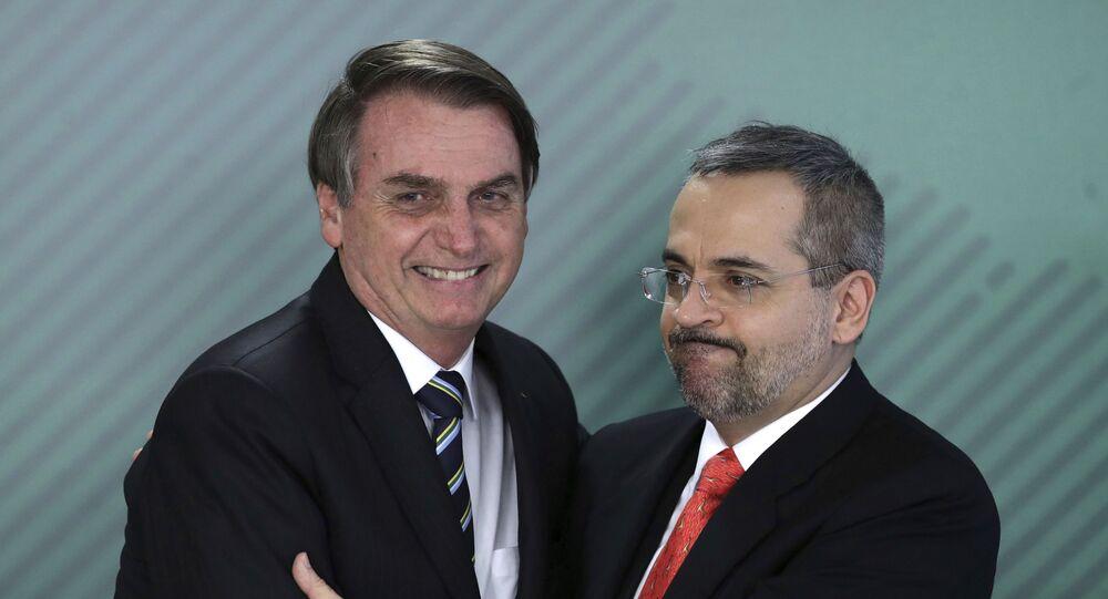 O presidente Jair Bolsonaro e o ministro da Educação Abraham Weintraub