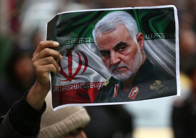 Retrato do general Qassem Soleimani