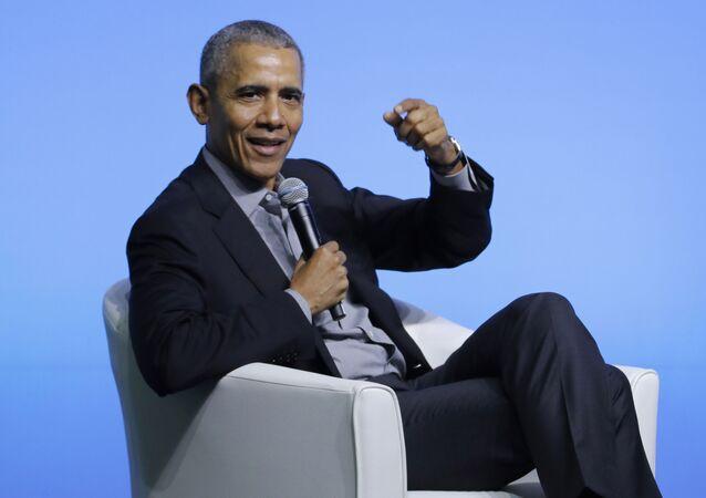 O ex-presidente dos Estados Unidos, Barack Obama, faz uma palestra.