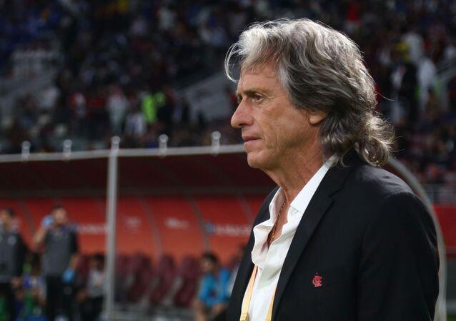 Jorge Jesus na beira do campo durante o Mundial de Clubes da FIFA de 2019.
