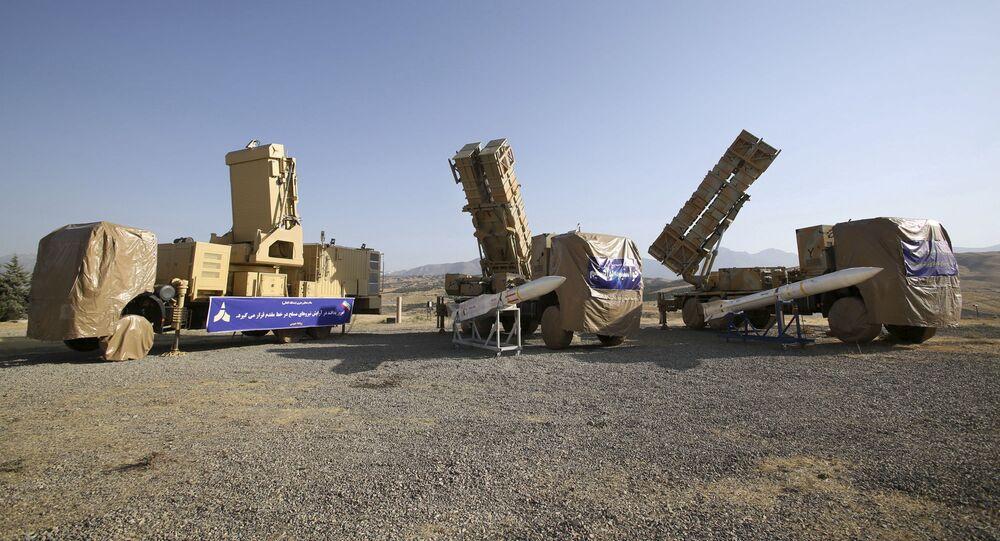 Foto divulgada pelo site oficial do Ministério da Defesa do Irã mostra Khordad 15, uma nova bateria de mísseis terra-ar em um local não revelado no Irã, 9 de junho de 2019 (foto de arquivo)
