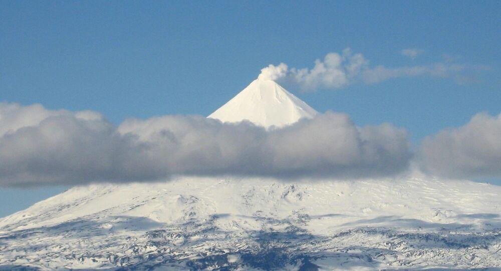 Vulcão Shishaldin, Alasca