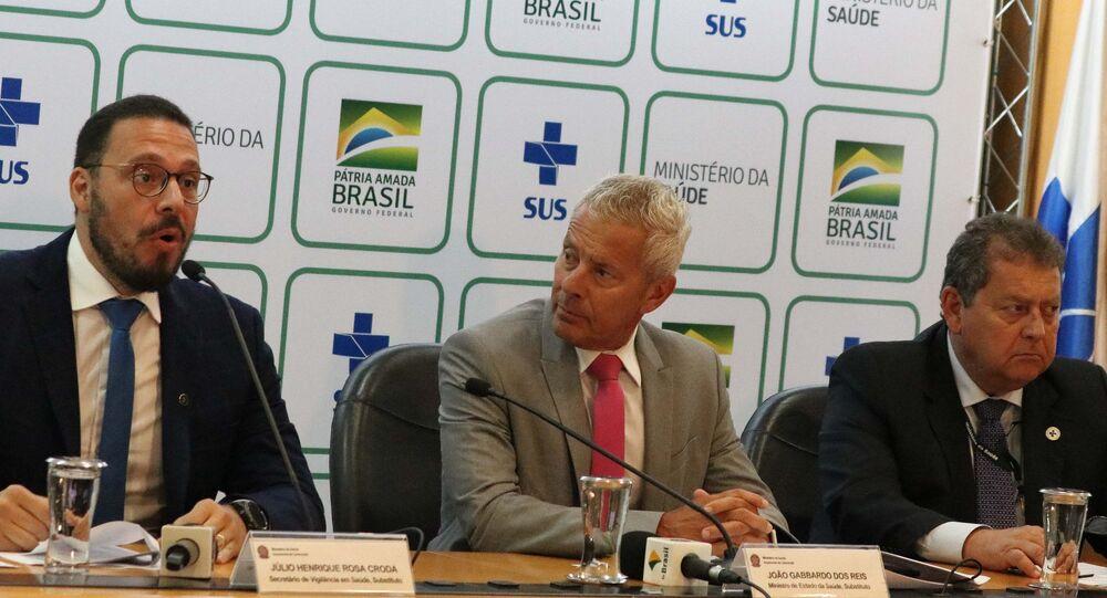 O secretário-executivo da Saúde, João Gabbardo, e o secretário substituto de Vigilância em Saúde, Júlio Croda, concedem uma entrevista para esclarecimentos técnicos sobre o coronavírus da China no auditório do Ministério da Saúde, em Brasília (DF), em 23 de janeiro de 2020