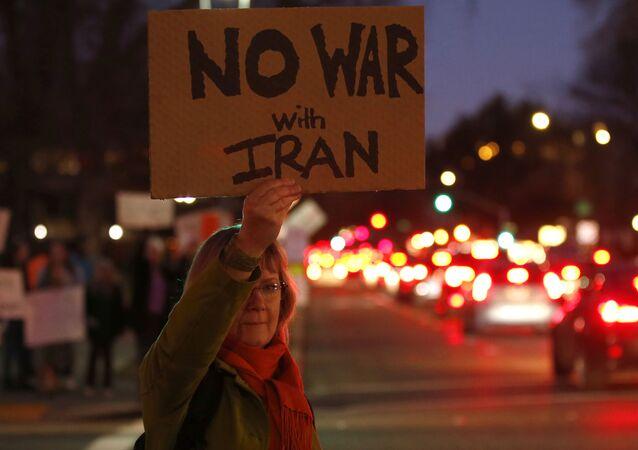 Protestos contra ações militares dos EUA no Irã, Califórnia, 9 de janeiro de 2020