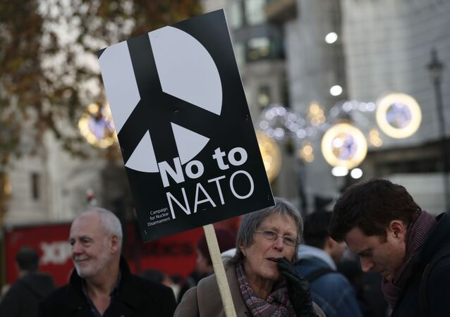 Manifestantes protestam contra a visita de Trump e contra a reunião da OTAN, em Londres, em dezembro de 2019