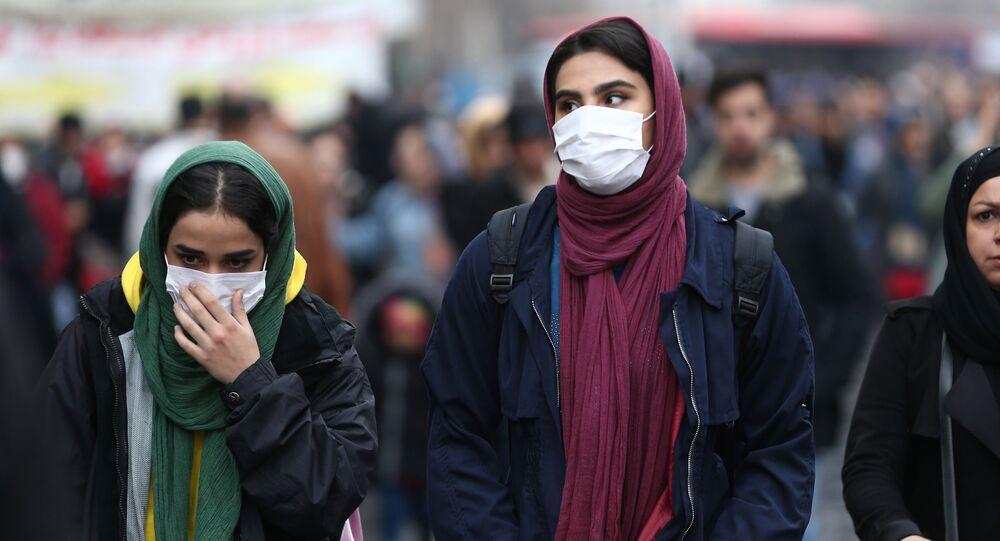 Mulheres iranianas no mercado Grand Bazaar em Teerã
