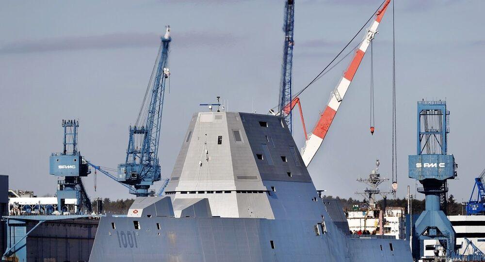 Navio da Marinha dos EUA USS Michael Monsoor da classe Zumwalt (imagem referencial)